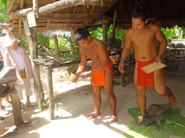 グアムビーチ&カルチャーパークのココナッツ割
