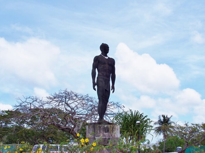 大酋長キプハの像