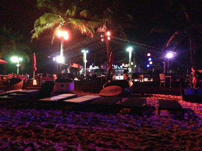 夜のザ・ビーチ