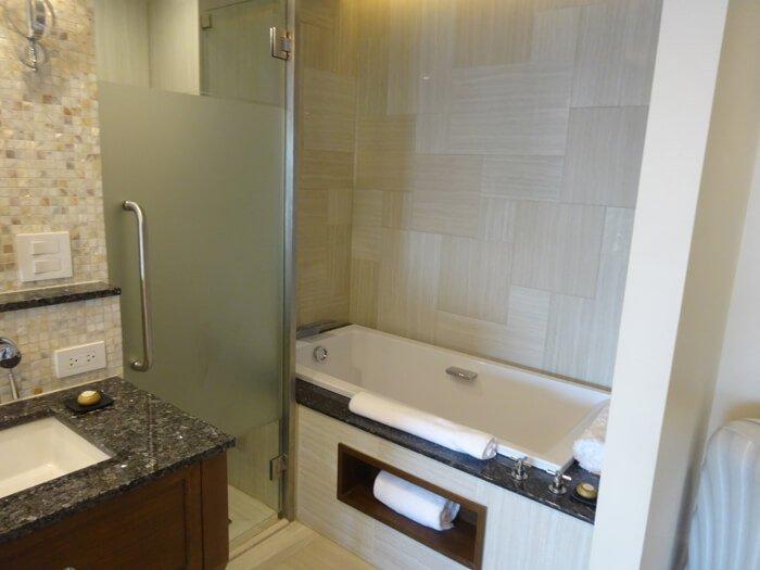 デュシタニグアムリゾートのお風呂