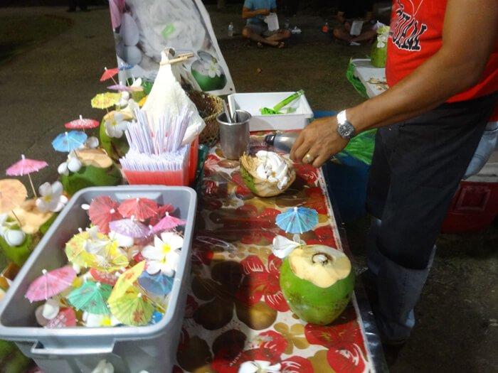 ココナッツの捌き