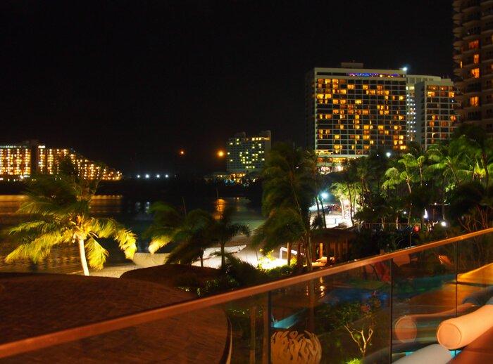 デュシタニグアムリゾートの夜