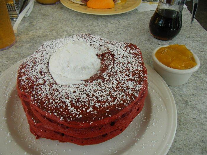 クラックド・エッグのパンケーキ