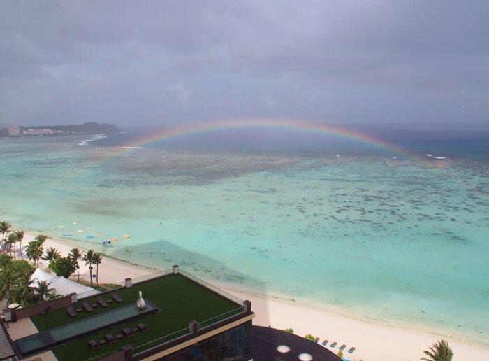 タモンビーチの虹