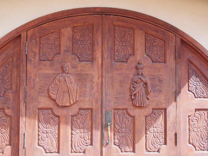 サン・ビトレス教会ドア