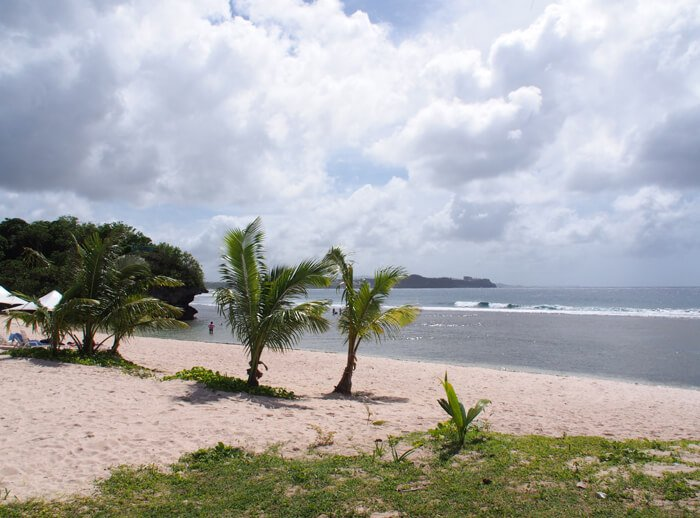ホテル ニッコー グアム前のビーチ