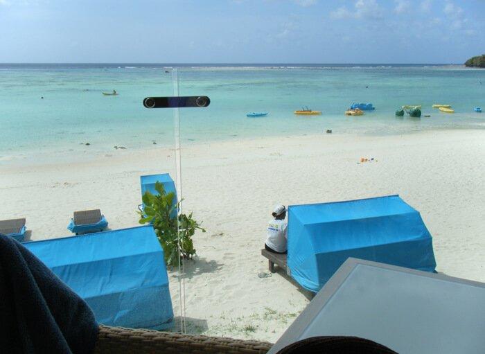デュシタニ グアム リゾートのビーチパラソル