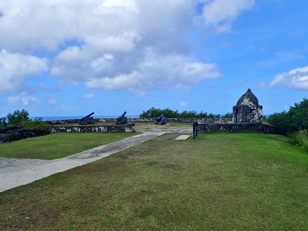 ウマタック村の絶景がのぞめるソレダット砦