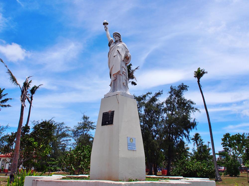 1950年にNYのボーイスカウト協会から寄贈された自由の女神像(パセオ公園)