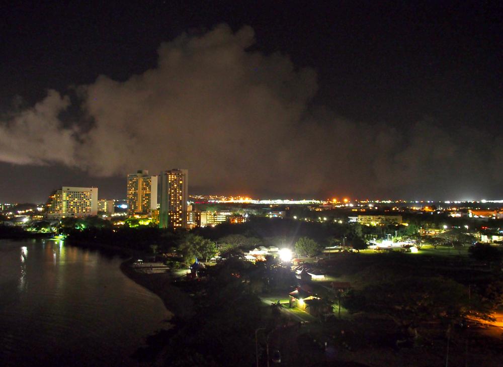 夜のイパオ公園