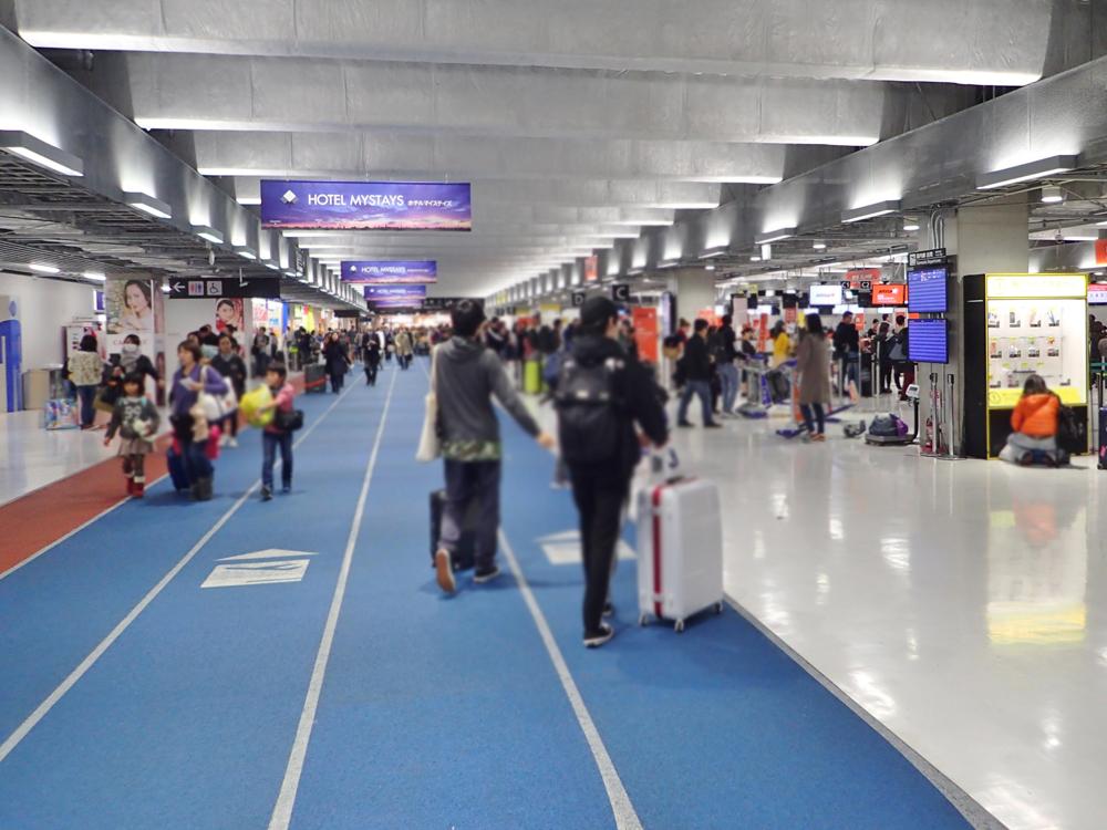 成田空港第3ターミナルのフードコート