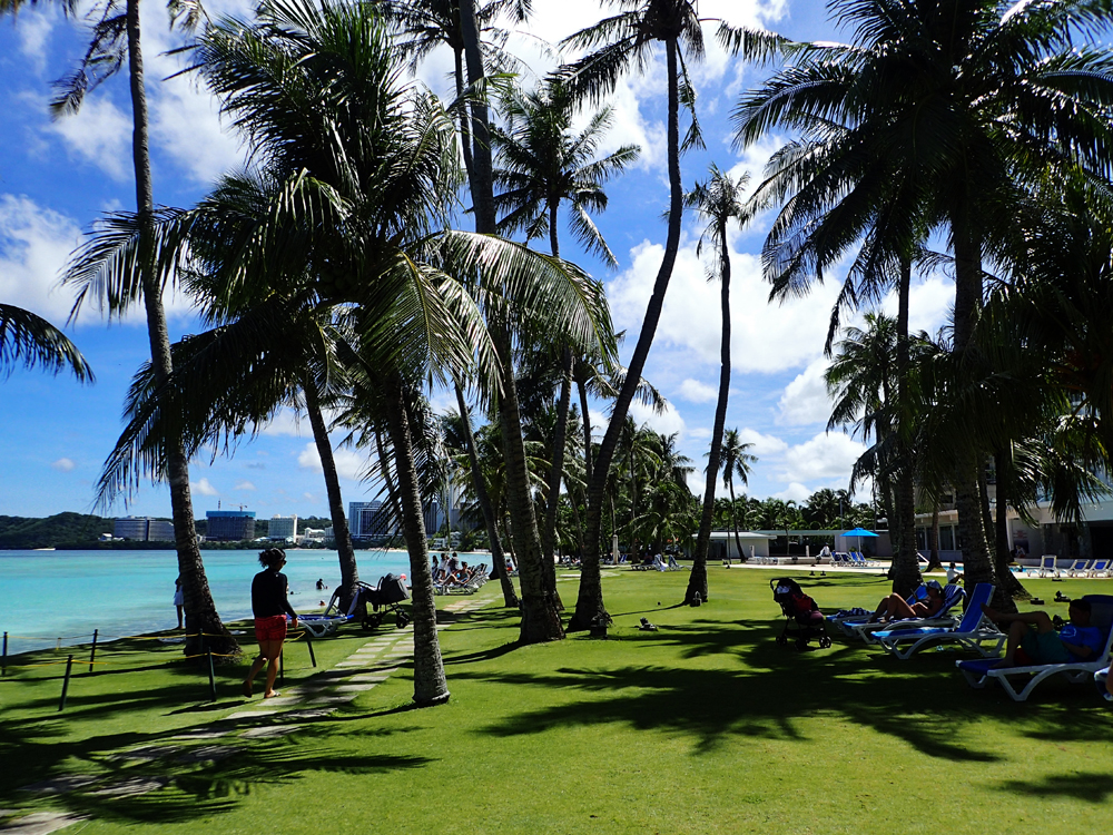 フィエスタリゾートグアムのプールとビーチ